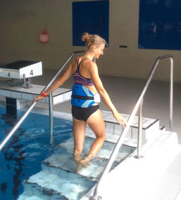 Fabienne Königstein beim Aquajogging