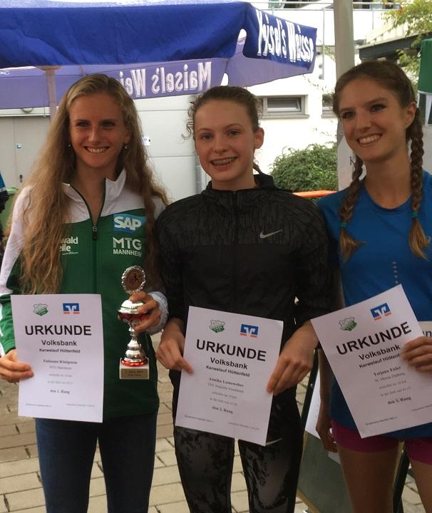 ... und die Siegerinnen auf den ersten drei Plätzen in Hüttenfeld.
