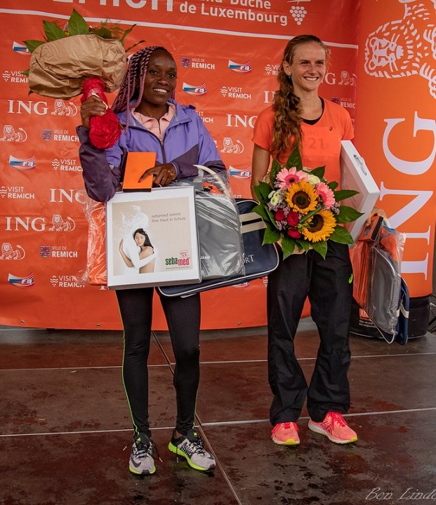 Fabienne zusammen mit der Siegerin aus Kenia - sie strahlt wieder, wie damals ...